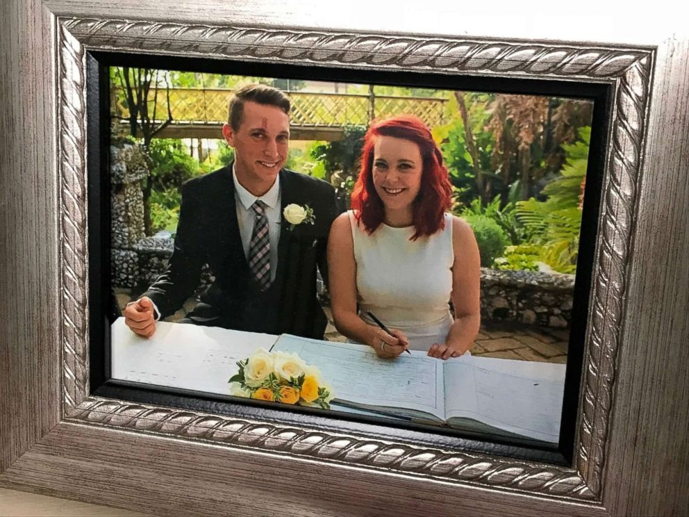 PHOTO: Kevin Bushell with his wife, Jennifer Simons.