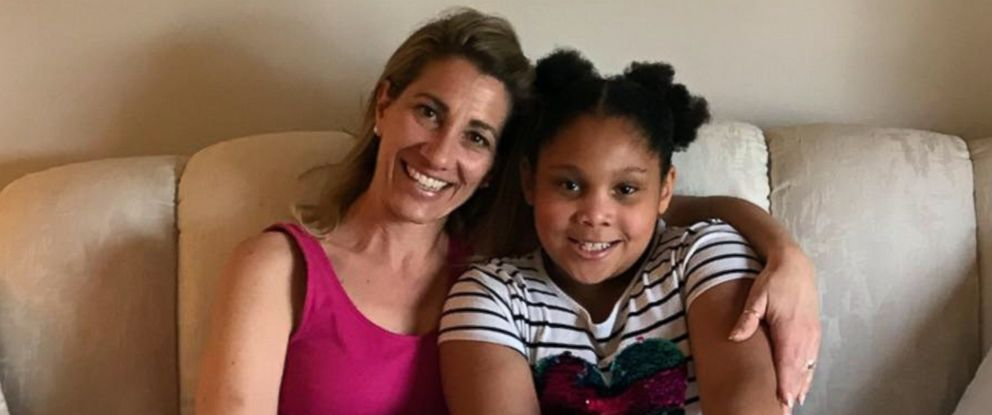 PHOTO: Fourth grade teacher Tanya Thomas from Slate Ridge Elementary in Reynoldsburg, Ohio plans to donate a kidney to Eva, 10, a student from the same school, who is battling a rare kidney disease.