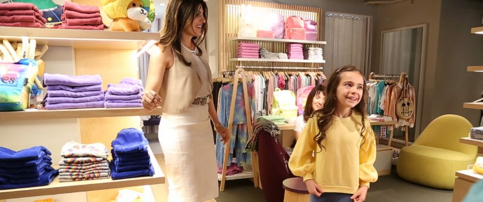 "PHOTO: Fashion consultant Mona Sharaf (left) is seen here with 9-year-old Riley Robinson (right) and her mother (center) during an interview for ""Nightline."""