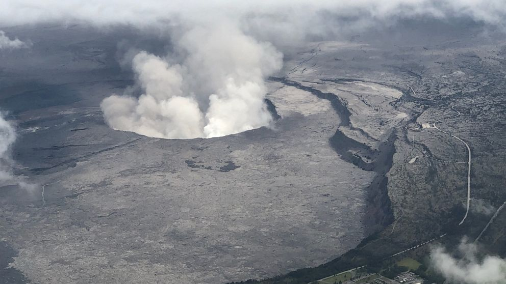 Man injured after falling from cliff into caldera of Kīlauea volcano in Hawaii