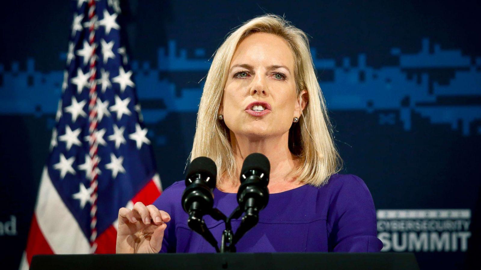 abcnews.go.com - Katherine Faulders, John Santucci and Tara Palmeri - Trump planning shakeup, eyeing new chief of staff and DHS secretary: Sources
