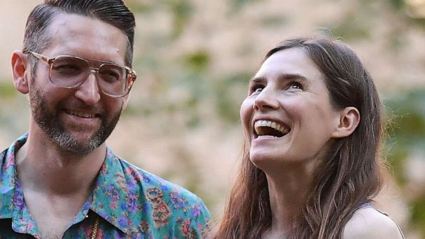 Amanda Knox denies claims that she and her fiance are crowdfunding their intergalactic-themed wedding