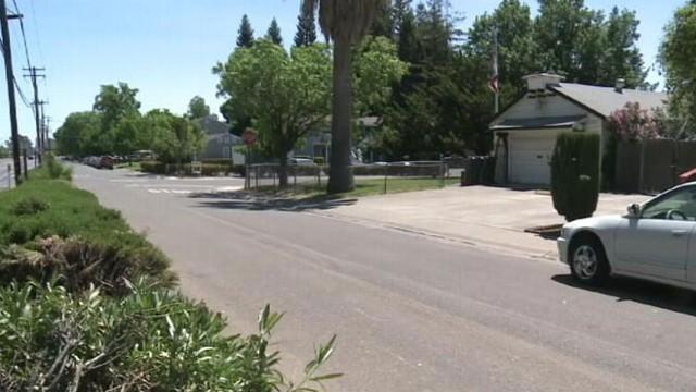 Girl, 7, Escapes Kidnapper's Trunk in Sacramento