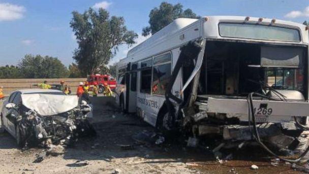 https://s.abcnews.com/images/US/la-bus-crash-ho-mo-20181014_hpMain_16x9_608.jpg