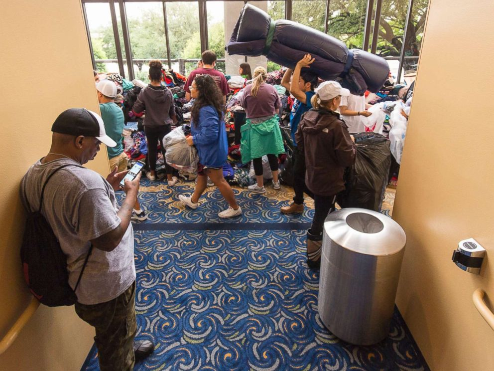 PHOTO: Lakewood megachurch opened its doors for donations and evacuees as volunteers brought donated items to the megachurch in the aftermath of Hurricane Harvey, Aug. 29, 2017, in Houston.