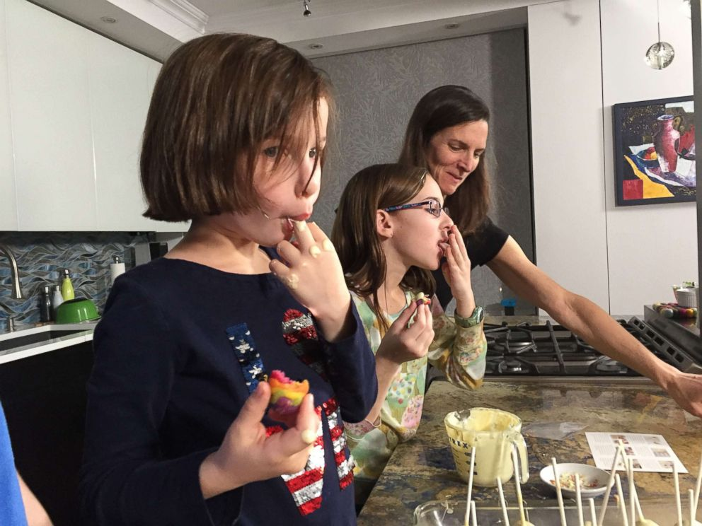 PHOTO: Lara Bursor and her daughters try the Rainbow Cake Pop kit from Foodstirs.