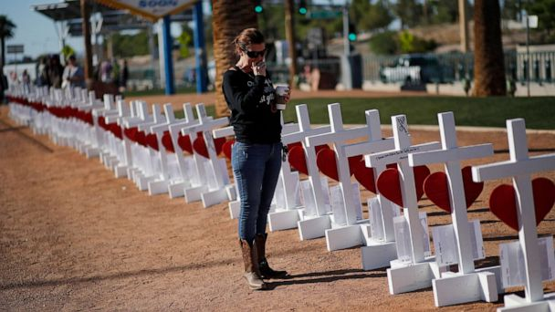2020 candidates convene on gun safety forum on the heels of Las Vegas shooting anniversary