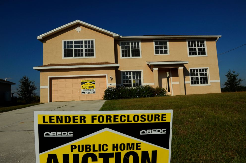 PHOTO: The Fort Myers, Florida area has scores of unsold properties and foreclosed homes and was recently ranked as the area with the 2nd highest foreclosure rate in the U.S, April 22, 2011.