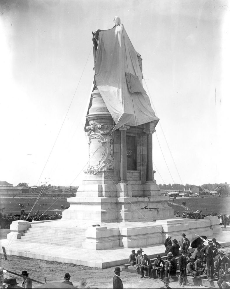 PHOTO: The Robert E.Lee Monument is shrouded before its unveiling in Richmond, Va. May 29, 1890.