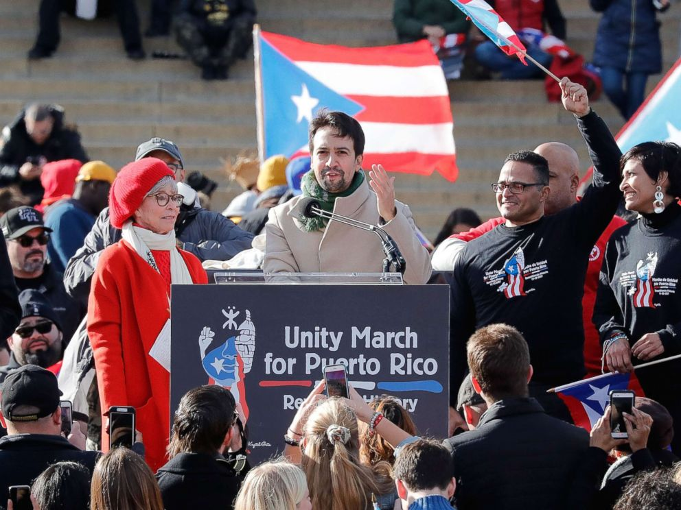 PHOTO: Lin-Manuel Miranda speaks at a Unity for Puerto Rico rally at the Lincoln Memorial on November 19, 2017 in Washington.