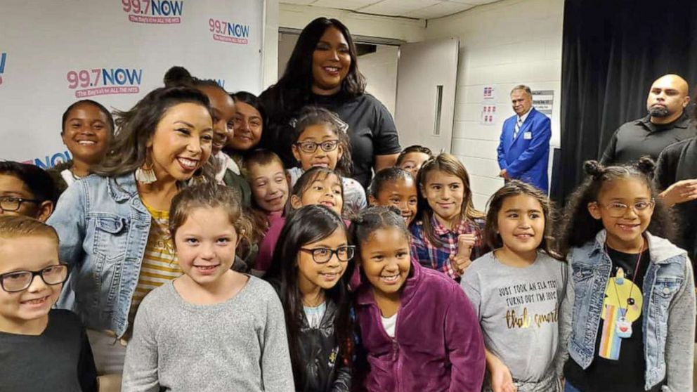 Lizzo meets 2nd-graders behind viral 'Truth Hurts' video
