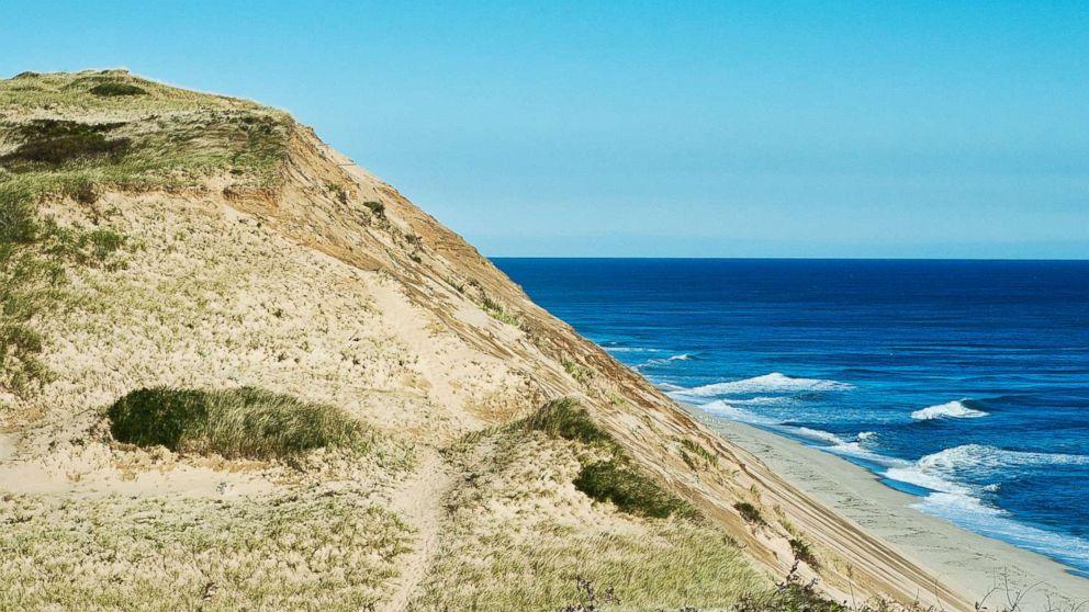 https://s.abcnews.com/images/US/long-nook-beach-stock-gty-jef-180815_hpMain_16x9_992.jpg