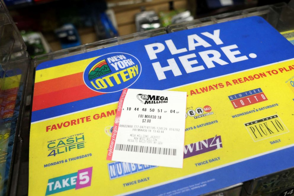 PHOTO: The Mega Millions lotto drawing is up to $521 million, March 30, 2018.