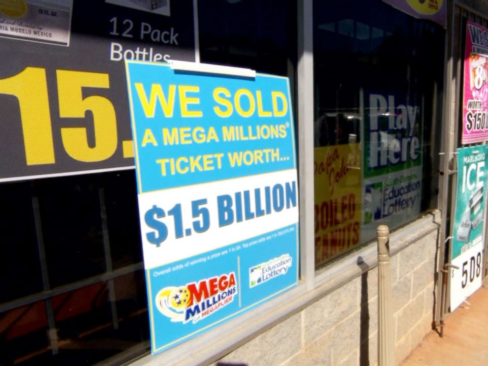PHOTO: A signs stands outside a KC Mart in Simpsonville, S.C.