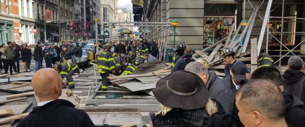 PHOTO: Zeno Mercer tweeted this image of scaffolding that fell on Broadway and Prince in the Soho neighborhood of New York, Nov. 19, 2017.