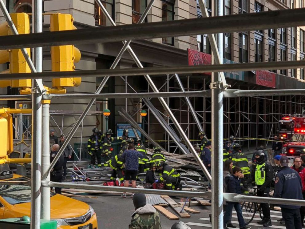 PHOTO: Holly Hudson tweeted this photo of scaffolding that fell on Broadway and Prince in the Soho neighborhood of New York, Nov. 19, 2017.
