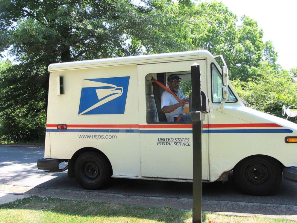 PHOTO: Floyd Martin is retiring from the U.S. Postal Service after working his route in Marietta, Ga., for nearly 35 years.