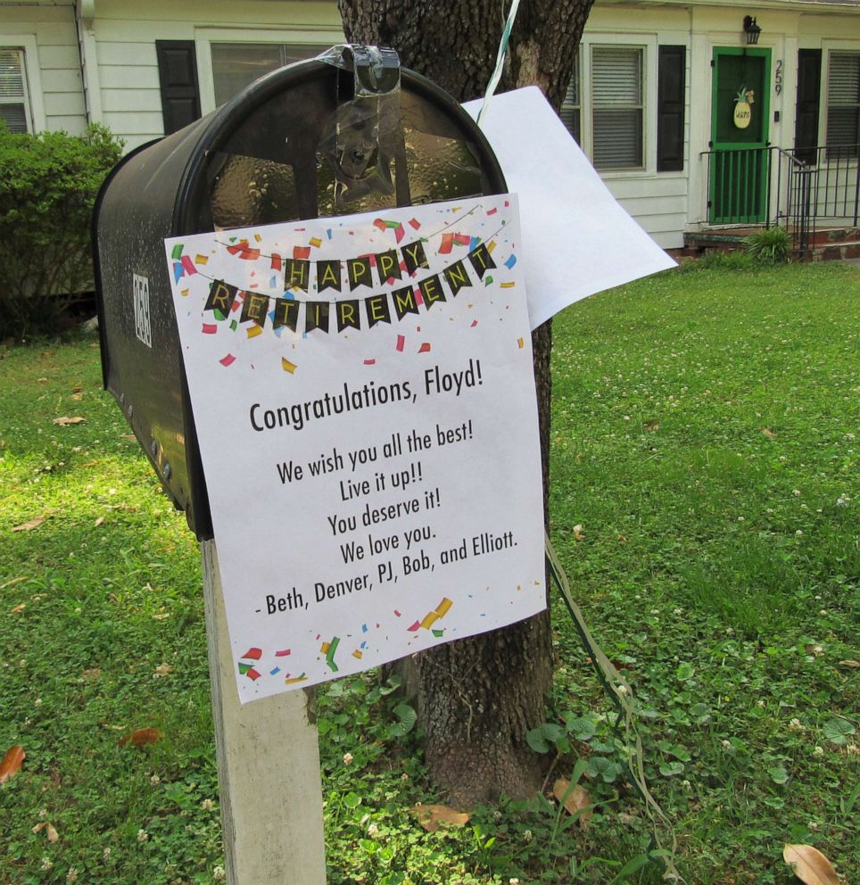 PHOTO: Signs, streamers and balloons adorned the mailboxes of Floyd Martins route in Marietta, Ga., on his last day on the job.