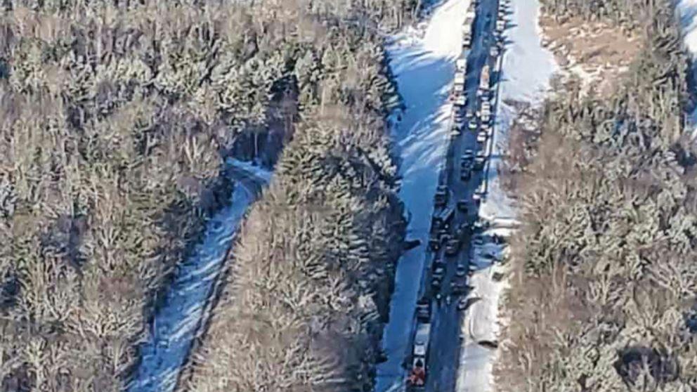 Blendende Sonne verursacht haben können, massive 30-car crash