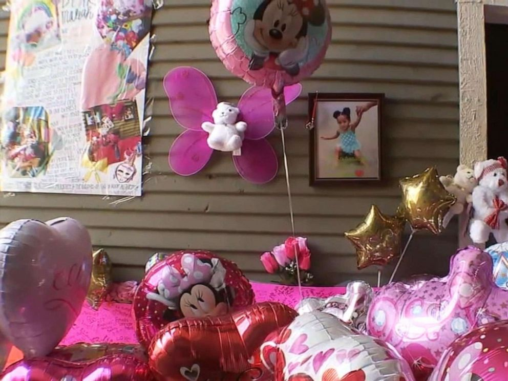 PHOTO: A memorial for 4-year-old Maleah Davis whose remains were found in Arkansas.