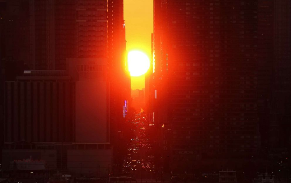 PHOTO: In this file photo, the sun rises above 42nd Street in New York City, Nov. 28, 2016, as seen from Weehawken, N.J.