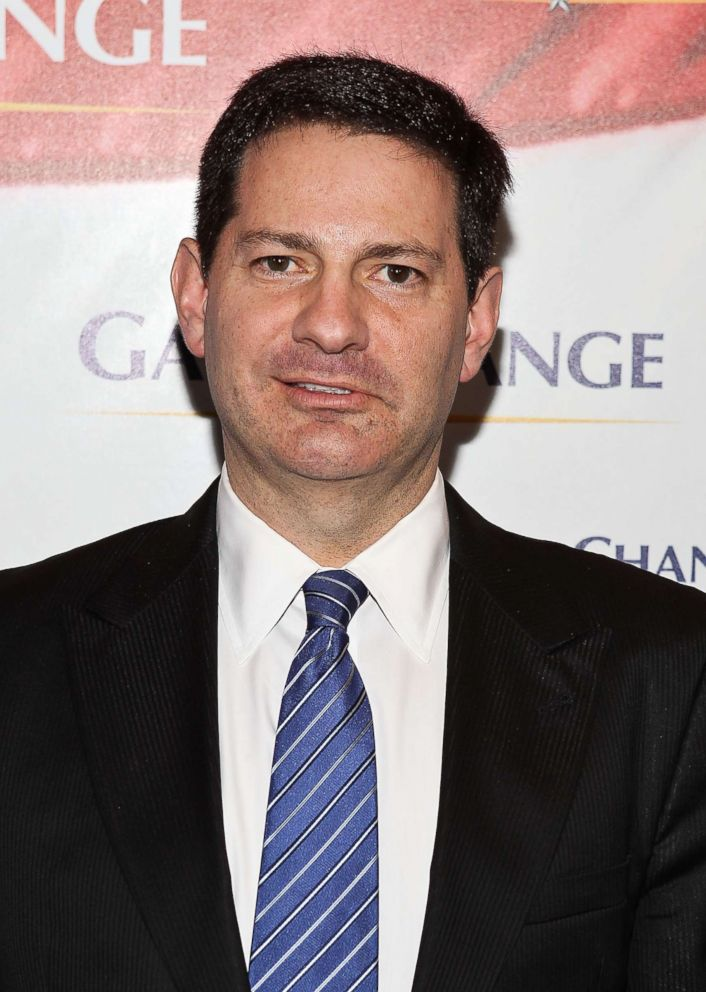 PHOTO: Author Mark Halperin arrives to the Game Change premiere at The Newseum on March 8, 2012 in Washington.