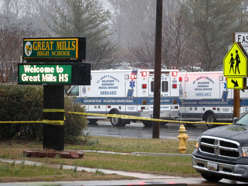 PHOTO: Deputies, federal agents and rescue personnel, converge on Great Mills High School, the scene of a shooting, March 20, 2018 in Great Mills, Md.