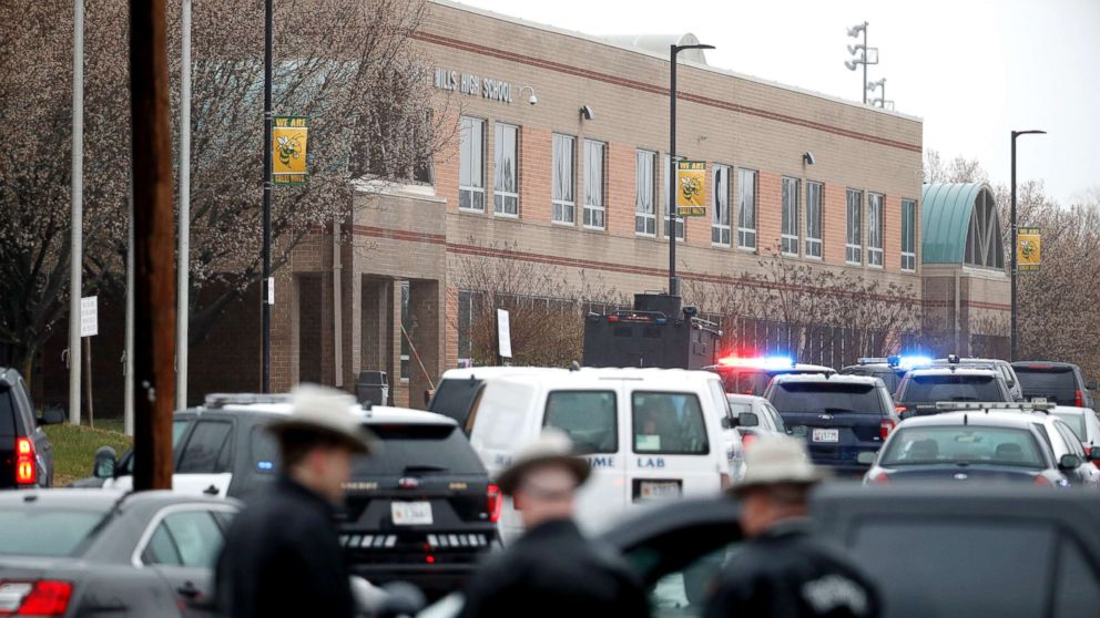 Shooting suspect among 3 injured in high school attack; campus locked down | ABC News