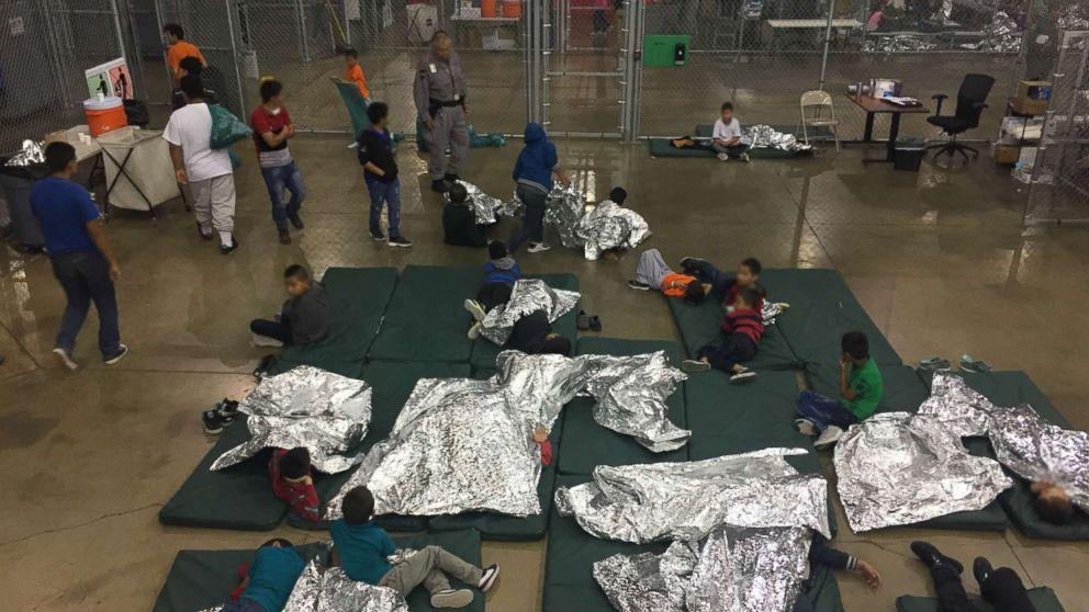 https://s.abcnews.com/images/US/mcallen-CPC-migrants-ho-mo-20180618_hpMain_16x9_992.jpg