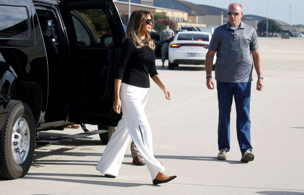 PHOTO: First lady Melania Trump boards her plane for travel to Tucson, AZ, from Joint Base Andrews in Maryland, June 28, 2018.