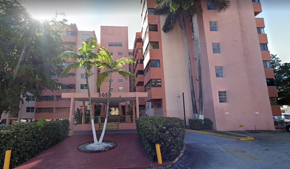 Hundreds of Residents Given Hours to Evacuate 'Unsafe' Eight-Story Miami Condo