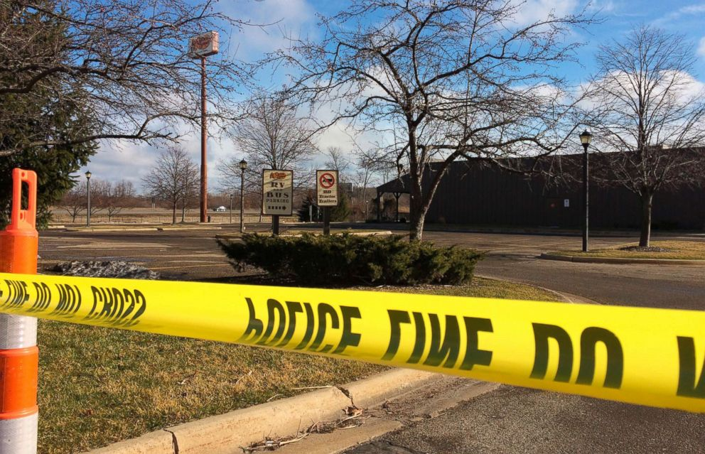 PHOTO: Police tape surrounds the area of a random shooting in Kalamazoo, Mich., Feb. 21, 2016.