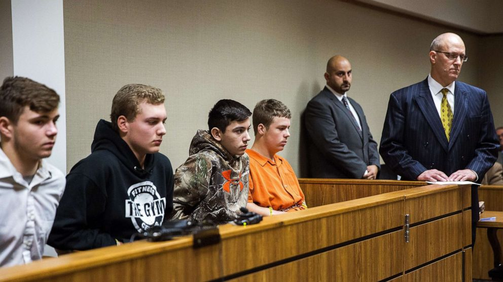 4 teens in deadly highway rock-throwing case to be sentenced as adults, judge rules
