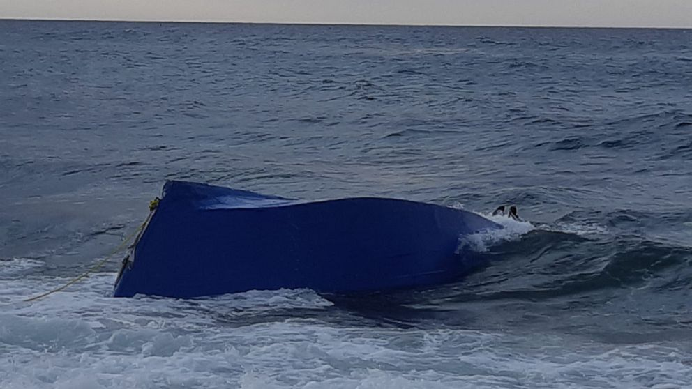 3 migrants killed, 11 detained after boat sinks in Caribbean: CBP thumbnail