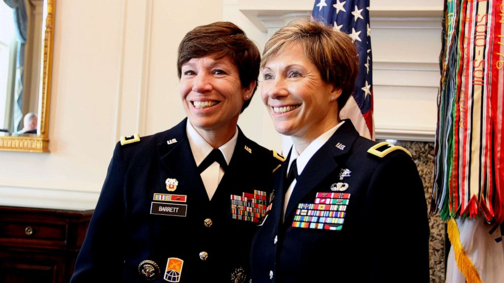 2 sisters make Army history as first pair to attain general