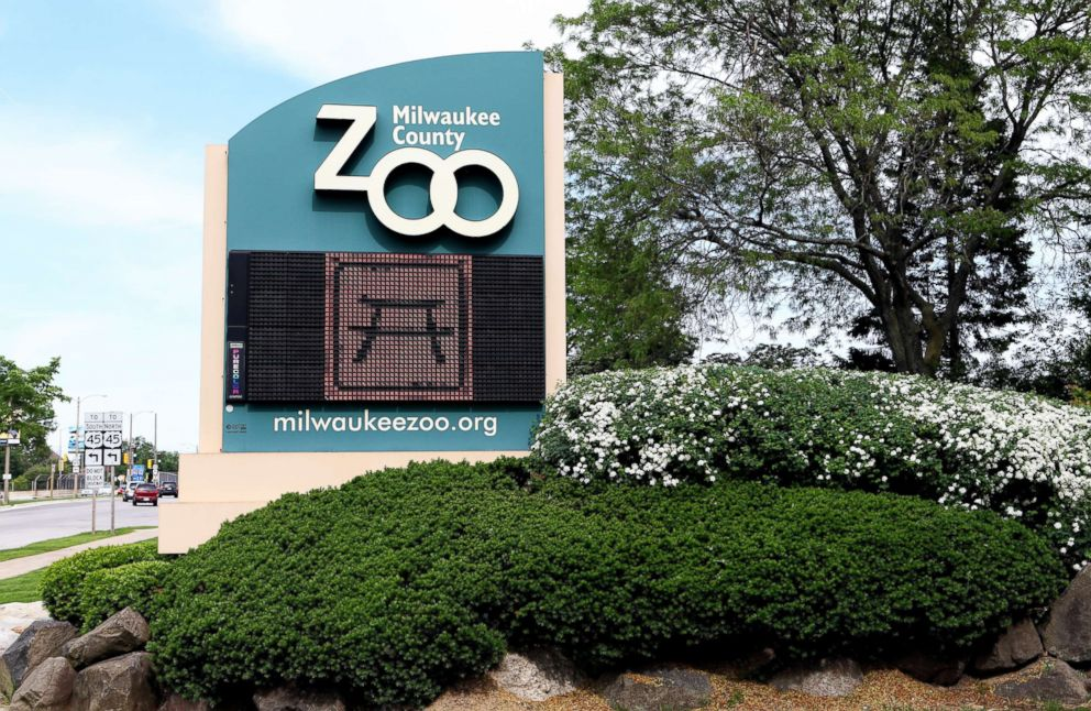 PHOTO: Milwaukee County Zoo entrance is pictured on June 8, 2013.