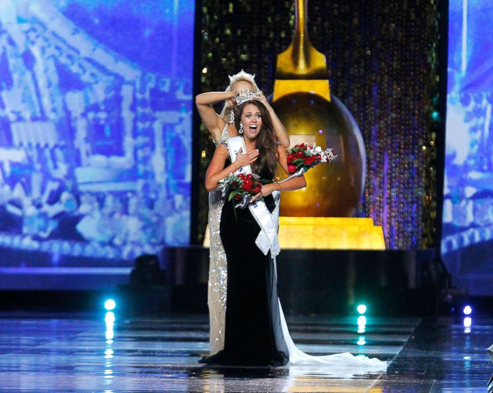 PHOTO: Miss America 2018 is crowned, Sept 10, 2017, in Atlantic City, New Jersey.