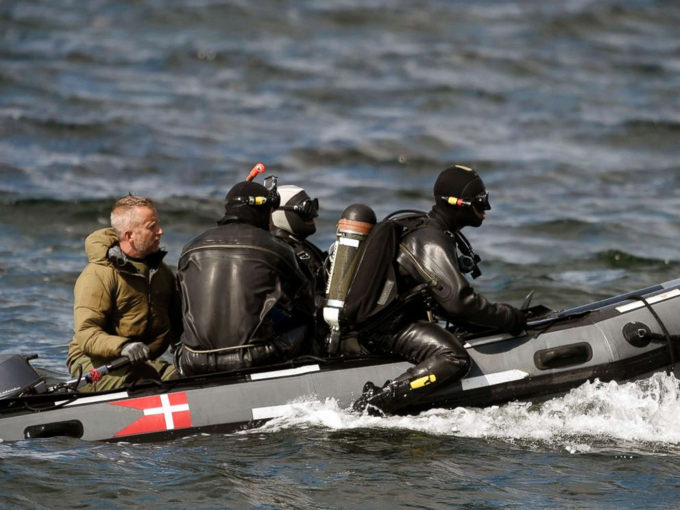 PHOTO: Divers from the Danish Defence Command preparing for a dive in Koge Bugt near Amager in Copenhagen, Aug. 22, 2017, where a womans torso was found yesterday.