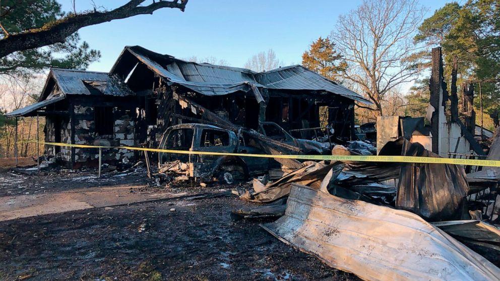 Fenstergitter gefangen 6 Kindern, die Mutter innerhalb einer 'zufälligen' Feuer: die Beamten