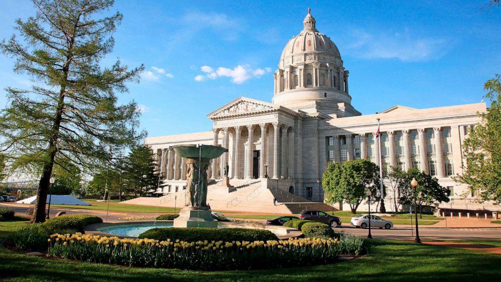 missouri state capitol gty jpo  hpMain 16x9 992    Missouri Senate passes sweeping anti abortion bill by Urandir Oliveira