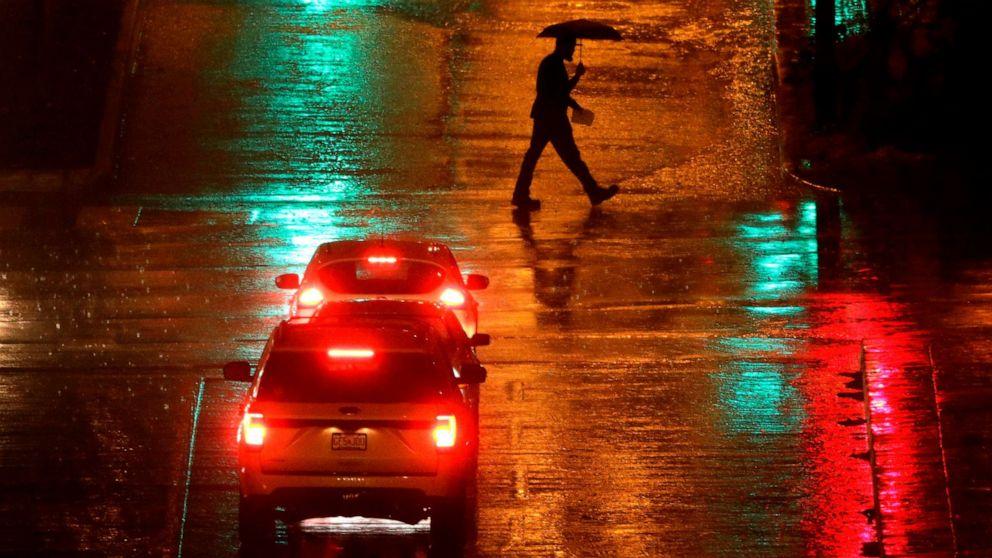 大雨の影響で高平野の北東と西海岸ではより雨雪