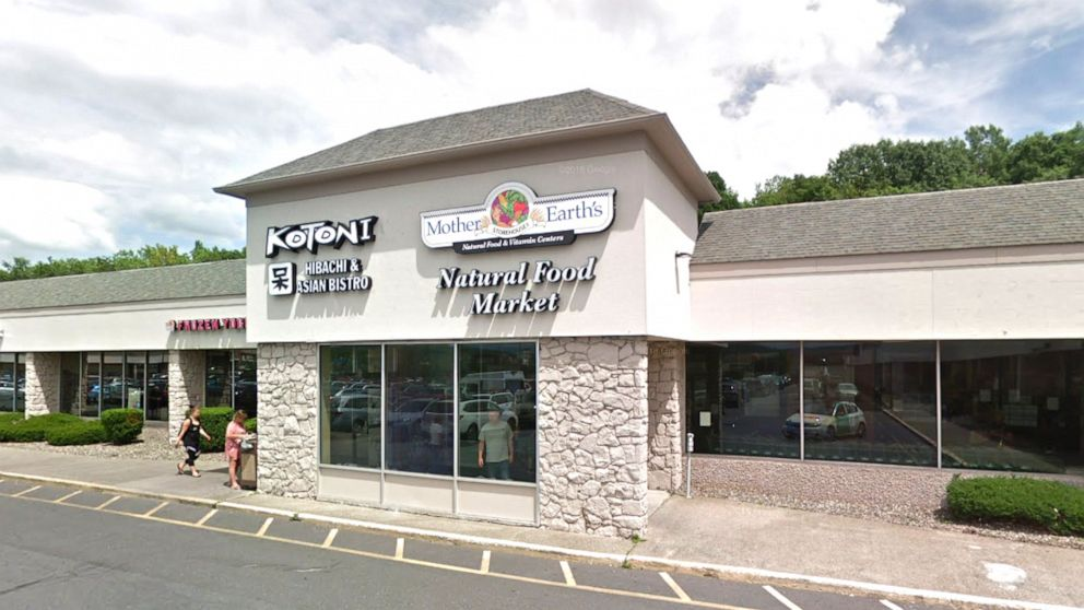 Health food store employee allegedly taunted Jewish coworker about being in 'gas chamber': Police