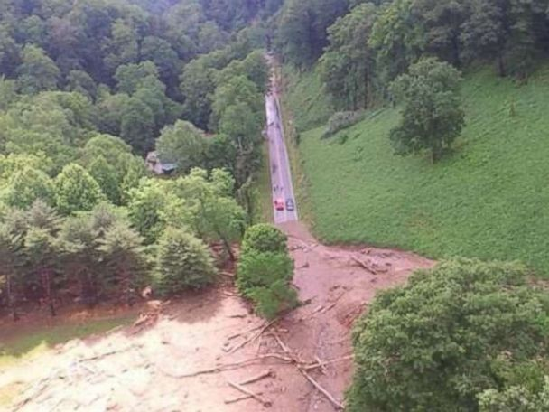 Stormy weather moves into Midwest as East dries out
