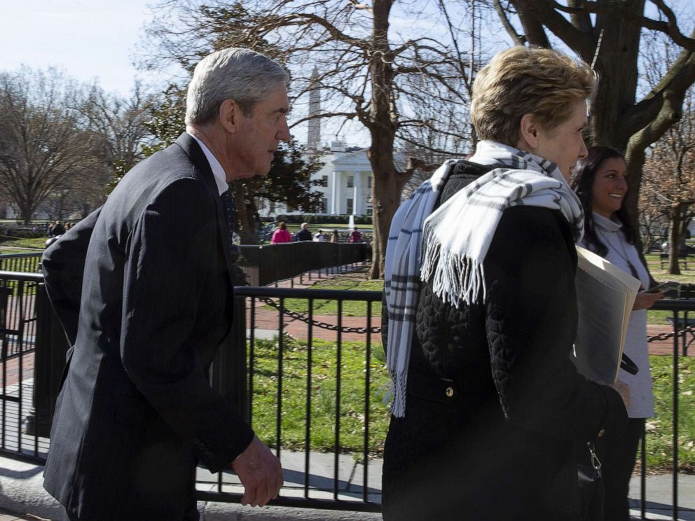 PHOTO: Special Counsel Robert Mueller walks with his wife Ann Mueller after attending church, March 24, 2019, in Washington, D.C.