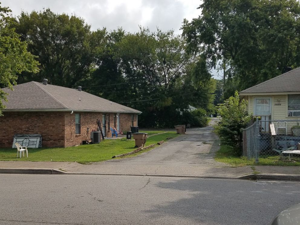 PHOTO: Nashville police say the suspects in a double shooting dumped the victims belongings in this alley.
