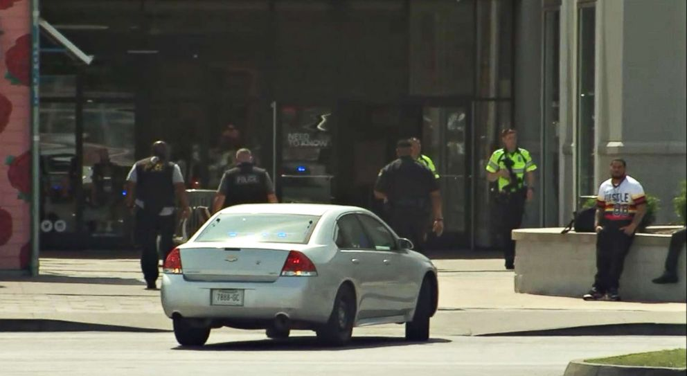 PHOTO: One person was critically injured at a shooting at the Opry Mills Mall in Nashville, Tennessee.