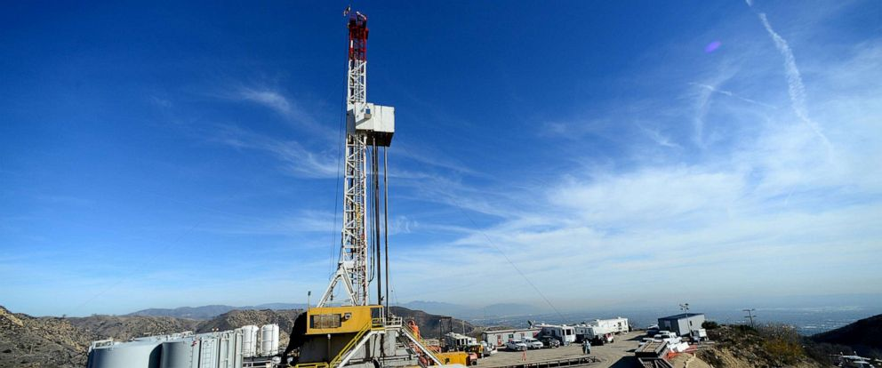 PHOTO: Crews from Southern California Gas Company and outside experts work on a relief well at the Aliso Canyon gas field above the Porter Ranch section of northwest Los Angeles, California in this December 9, 2015, file photo.