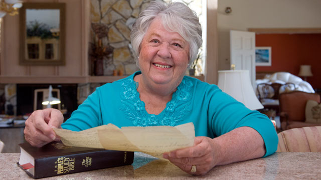 PHOTO: Marion Shurtleff holds a paper she wrote in 1948 as a Girl Scout in Kentucky, which she found when she recently bought a bible that contained the paper at a used book story in San Clemente, Calif.