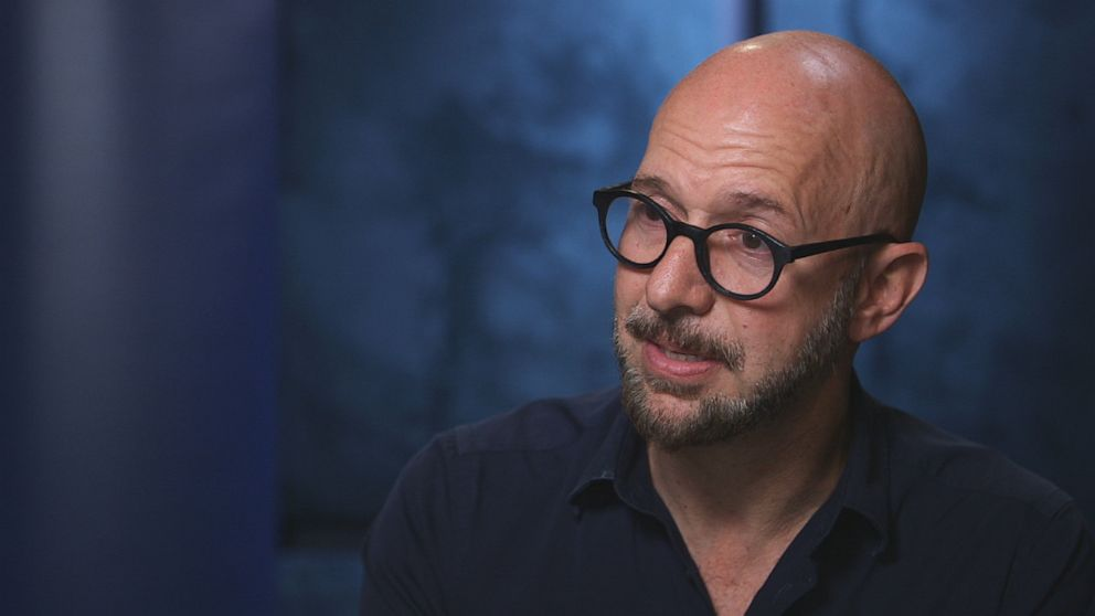 """PHOTO: """"Rolling Stones"""" reporter Neil Strauss hosts the blockbuster true crime podcast """"To Live and Die in L.A."""" which investigates Shabanis disappearance."""