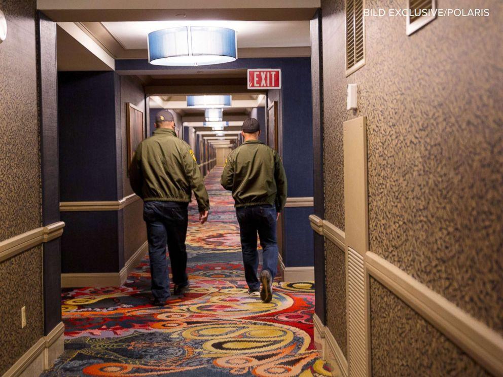 suite casino las living bedroom luxury york en new one vegas in rooms room hotel